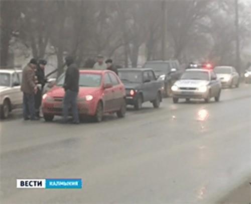 За неделю в Калмыкии 1 человек погиб и 14 пострадали в результате ДТП