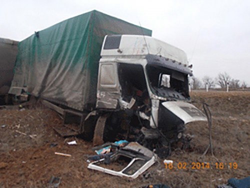 В Калмыкии грузовик столкнулся с локомотивом