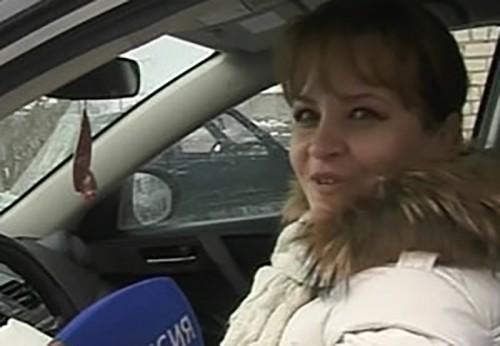 В преддверии 8 Марта женщин проверили на знание правил дорожного движения