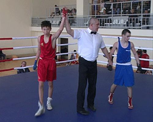 Три калмыцких боксера примут участие в чемпионате России