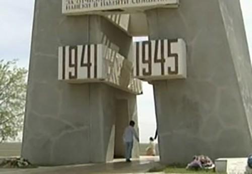 Павшим под Хулхутой возложили цветы ученики Верхнеяшкульской санаторной школы-интерната