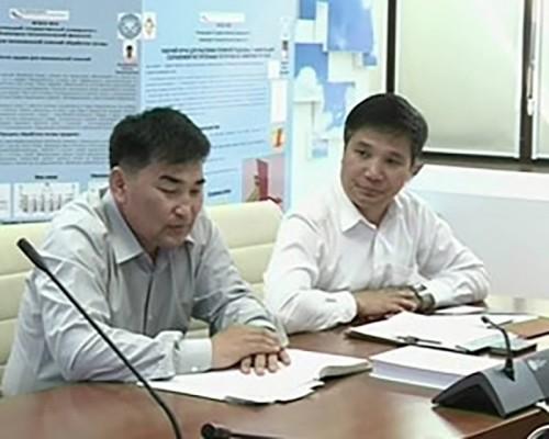 Учёный секретарь института истории Монгольской академии наук Намдан Ганбат встретился с калмыцкими учеными