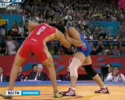 Мингиян Семенов выступит на Кубке мира по греко-римской борьбе в Тегеране