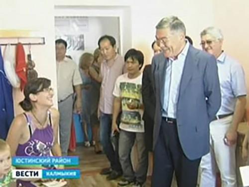 Алексей Орлов встретился с беженцами в Цаган-Амане
