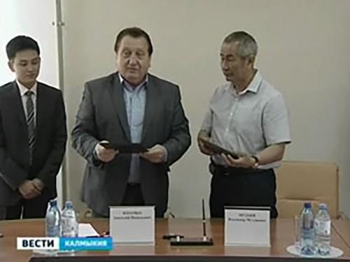 Подписано соглашение о взаимодействии между Народным Хуралом и фермерами