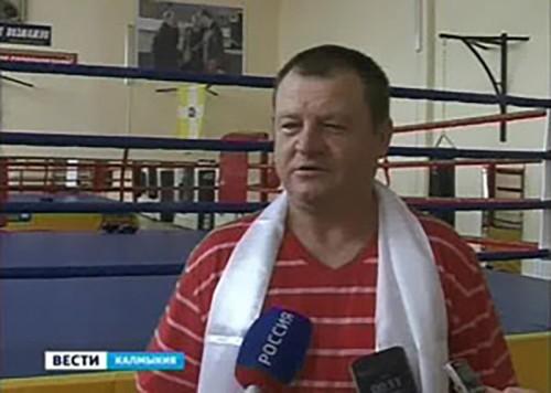 В Калмыкии побывал главный тренер женской сборной России по боксу