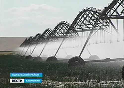 Фермеры Яшкульского района успешно осваивают новую технику