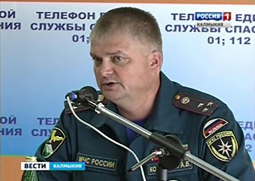 Новый руководитель ГУ МЧС по Калмыкии познакомился с личным составом регионального ведомства