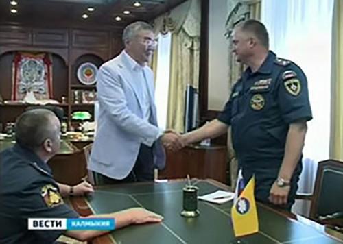Новый руководитель ГУ МЧС по Калмыкии представлен Алексею Орлову