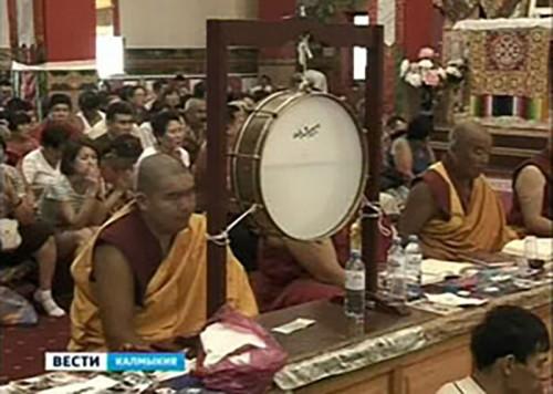 Калмыкия отмечает празник — поворот колеса Учения Будды Шакьямуни