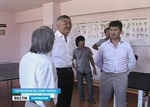Алексей Орлов побывал с рабочим визитом в Черноземельском районе