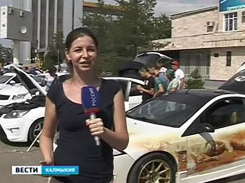 В Элисте состоялся тюнинг фестиваль спортивных и ретро автомобилей