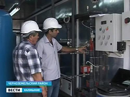 Жители Нарын-Худука Черноземельского района отмечают два радостных события