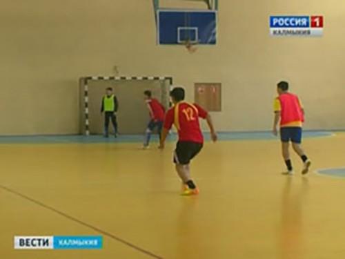 Спортивный календарь открыли футболисты Юстинского РМО