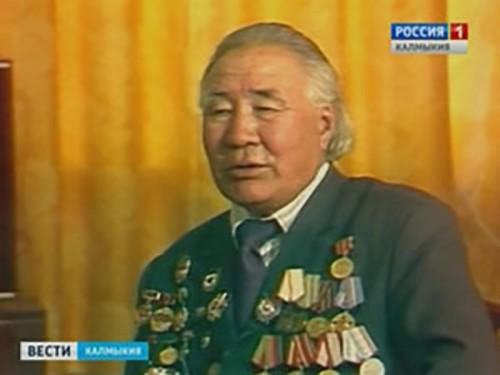 В Калмыкии отмечают 100-летие со дня рождения народного поэта Морхаджи Нармаева