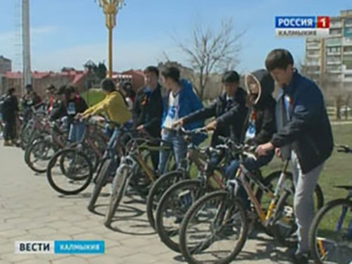Студенты КалмГУ совершили патриотический велопробег «Километры Победы»