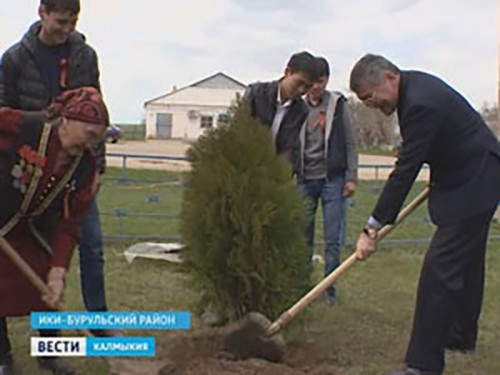 Алексей Орлов посетил Ики-Бурульский район