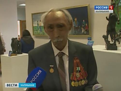 В Элисте открылась выставка известного скульптора Петра Тазаева