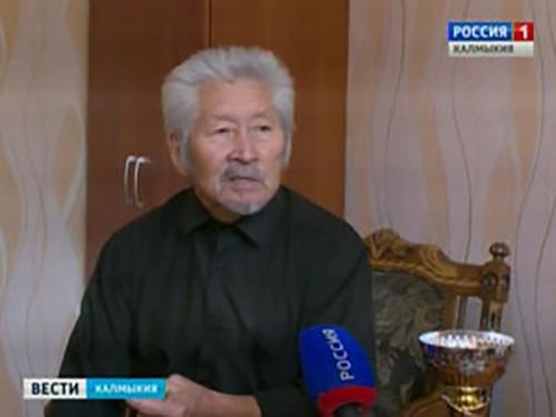 Александр Дамбинов стал абсолютным чемпионом среди ветеранов на международном турнире по силовым видам спорта