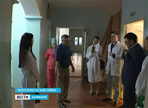 Марина Мукабенова совместно с представителями ПАО «Лукойл» посетили лечебницы Черноземельского и Лаганского районов
