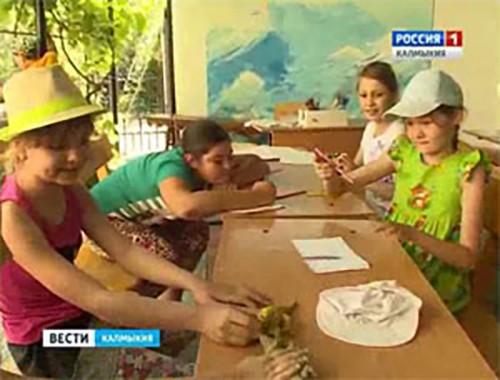 Воспитанники «Ноева Ковчега» пришли с подарками в Дом престарелых