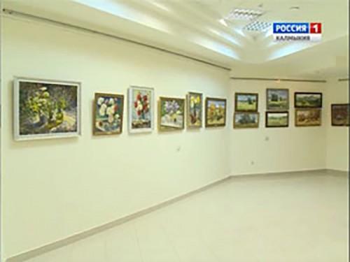 60 живописных полотен художников Сальска, составили оригинальную экспозицию в Национальном музее