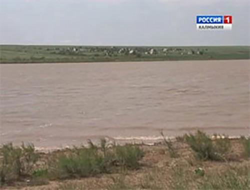 В водохранилище Амта-Бургуста утонул житель Кетченеровского района