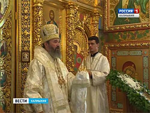 В Казанском кафедральном соборе Элисты совершена божественная литургия