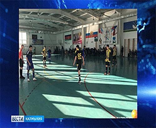 Мини-футбольный клуб «Уралан» вернулся с победой