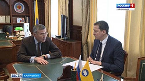 Алексей Орлов провел встречу с председателем правительства Игорем Зотовым