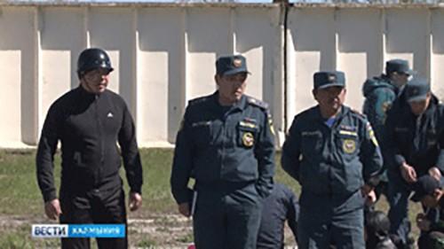 Спасатели Калмыкии состязались в пожарно-прикладном спорте