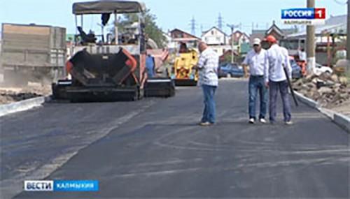 В степной столице продолжается дорожные работы