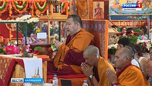 В Калмыкию с пастырским визитом прибыл буддийский учитель Кунделинг Ринпоче ХIII