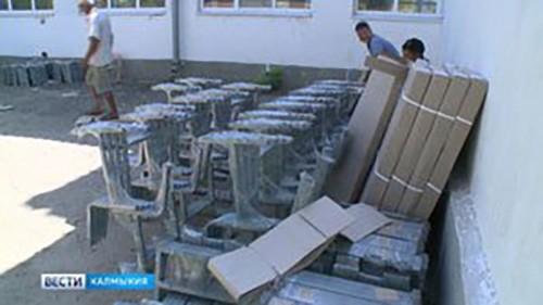 Школы Элисты полностью обеспечены необходимой мебелью