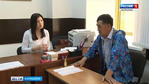 Депутат Госдумы Марина Мукабенова ведет прием граждан