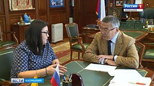 Алексей Орлов рассмотрел обращение сотрудниц лечебных заведений