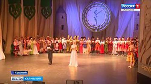 """Театр танца """"Ойраты"""" принимает участие в фестивале-конкурсе сольного танца"""