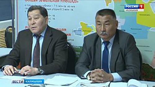 Специалисты министерства сельского хозяйства провели встречу с аграриями Сарпинского района