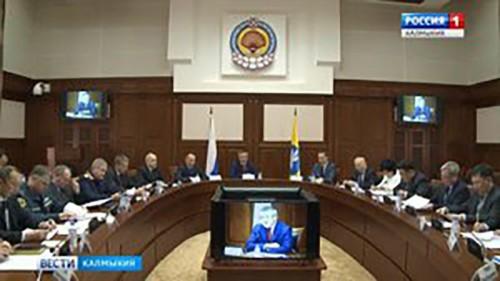 Глава Калмыкии провел совместное заседание антитеррористической комиссии и оперативного штаба