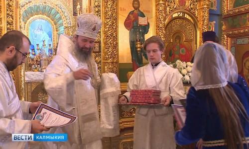 Православные отметили праздник Сретение