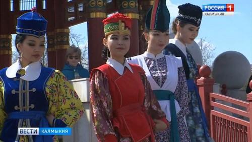 В Элисте пройдет Международный фестиваль национального костюма