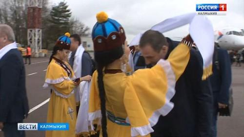 В Калмыкию при была парламентская делегация ХМАО