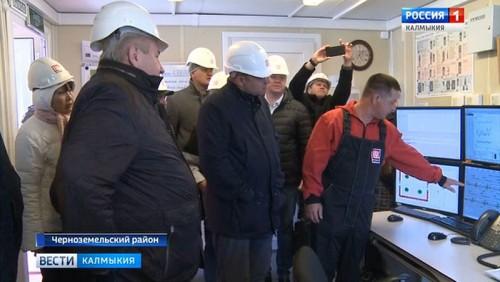 Делегация ХМАО посетила нефтяные объекты в Черноземельском районе