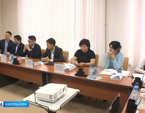 Сегодня проводится первое заседание Общественной молодежной палаты