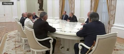 Путин провел встречу с бывшими губернаторами