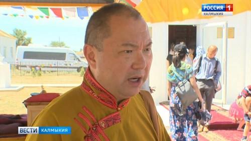 Сегодня буддисты отмечают наступление священного месяца Ур Сар