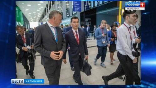 Бату Хасиков обсудил реализацию ремонтных и инвестиционных программ в Калмыкии
