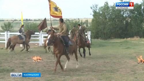 Участники конного фестиваля прошли сотни километров