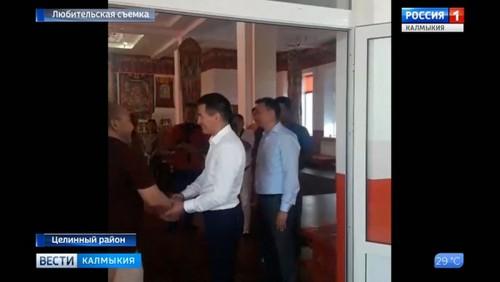Бату Хасиков посетил социальные объекты в Троицком