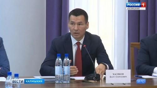 Члены Совета федерации провели выездное заседание в Элисте